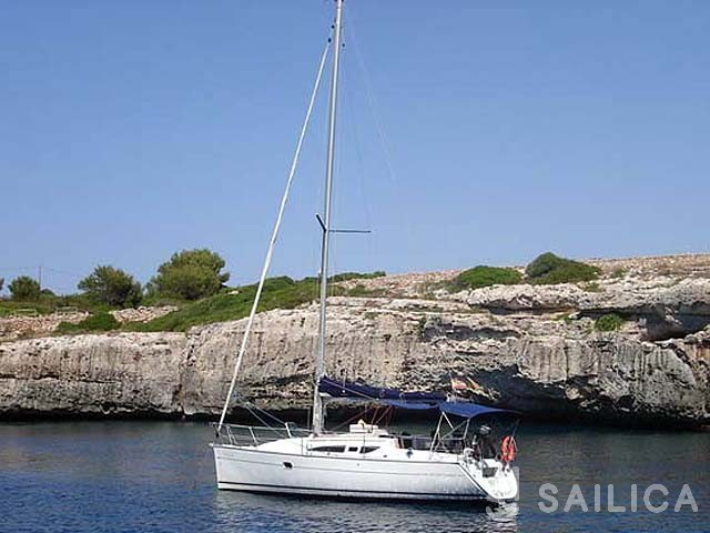 Sun Odyssey 32i - Yacht Charter Sailica