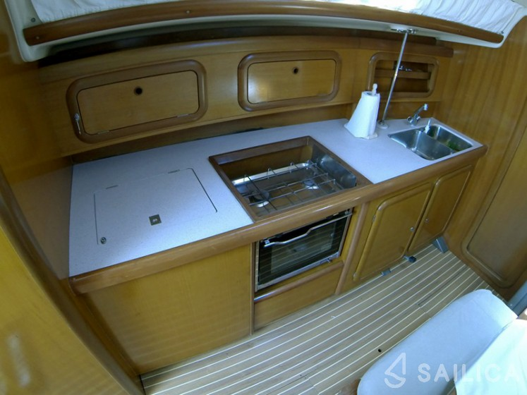 Grand Soleil 40 - Yacht Charter Sailica
