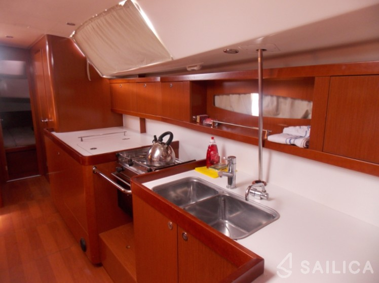 Beneteau 46 - Yacht Charter Sailica