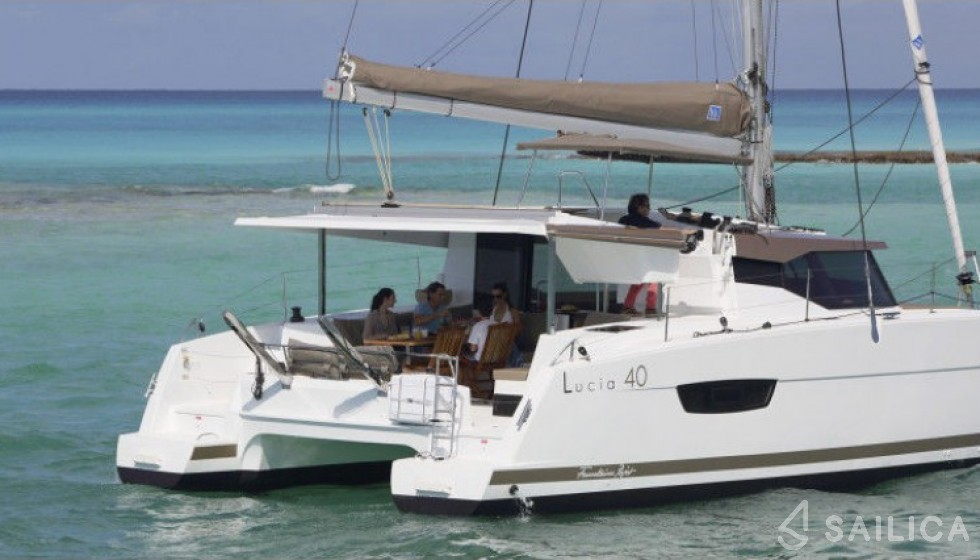 Fountaine Pajot 40 in Marina di Portisco - Sailica
