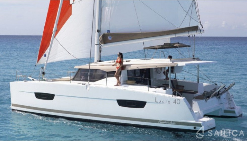 Fountaine Pajot 40 - Yacht Charter Sailica
