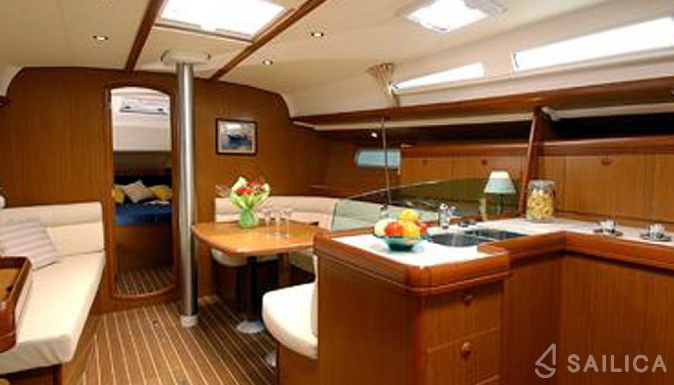 Sun Odyssey 42i (2008) - Sailica Yacht Booking System #4