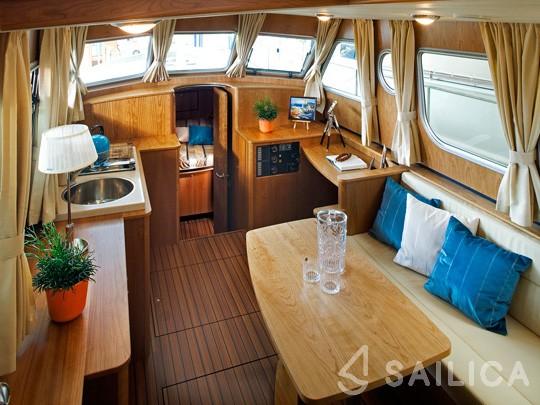Linssen Grand Sturdy 34.9 AC - Yacht Charter Sailica