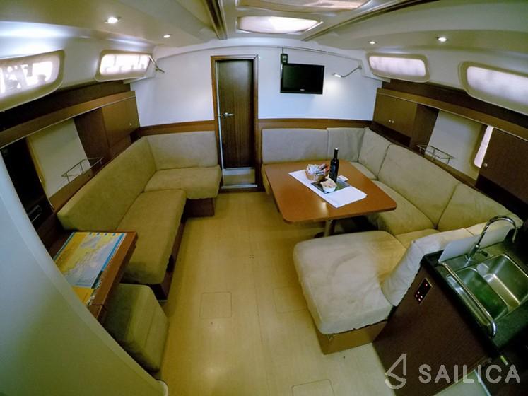 Hanse 445 - Yacht Charter Sailica