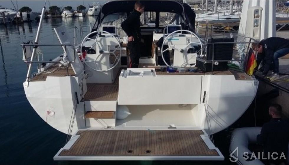 Bavaria 45 in Marina di Portorosa - Sailica