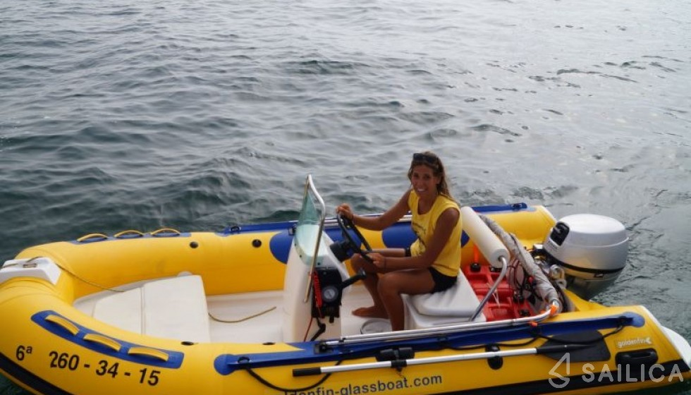 Rent Golden Fin 2014 in Spain - Sailica