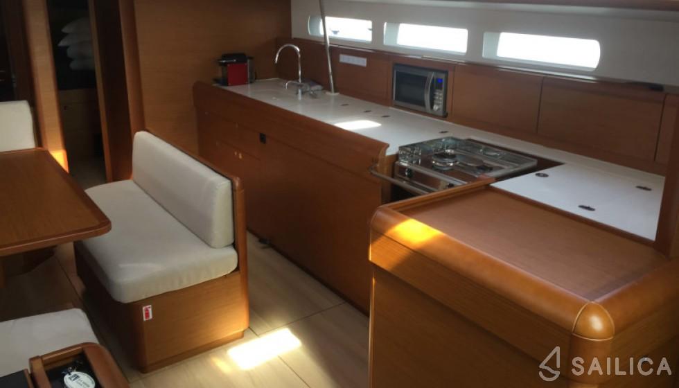 Jeanneau 519 - Sailica Yacht Booking System #10