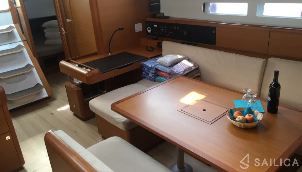 Jeanneau 519 - Sailica Yacht Booking System #8