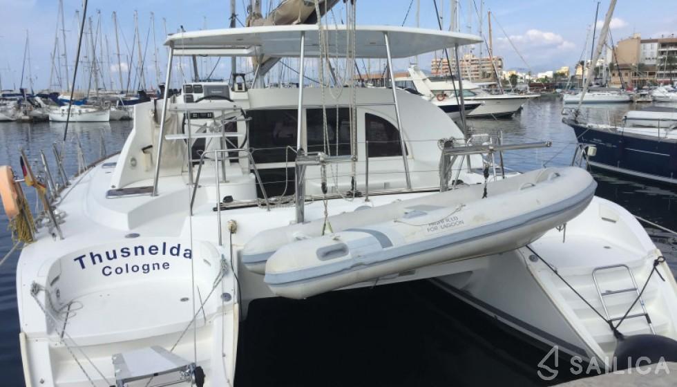 Lagoon 380 - Yacht Charter Sailica