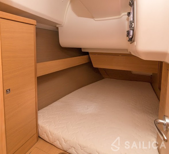 Dufour 380 - Yacht Charter Sailica