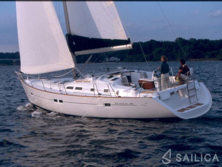 Oceanis 423 - Yacht Charter Sailica