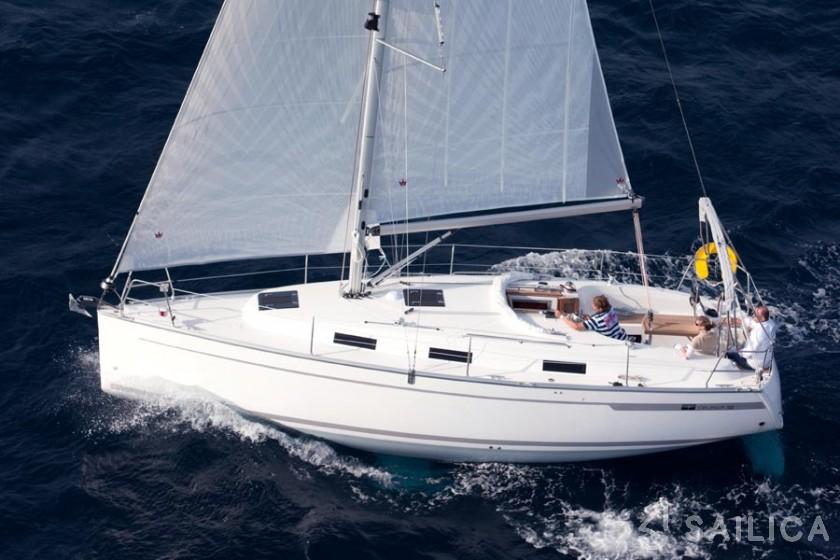Bavaria Cruiser 32 - Yacht Charter Sailica