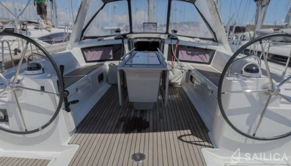 Oceanis 48-5 in Marina Baotic - Sailica