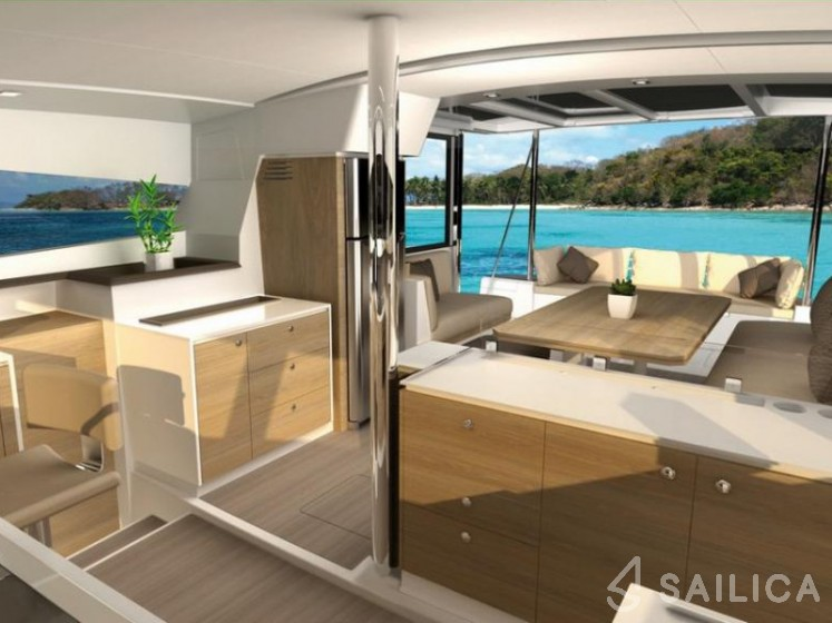 Rent Bali 4.1 in Italy - Sailica