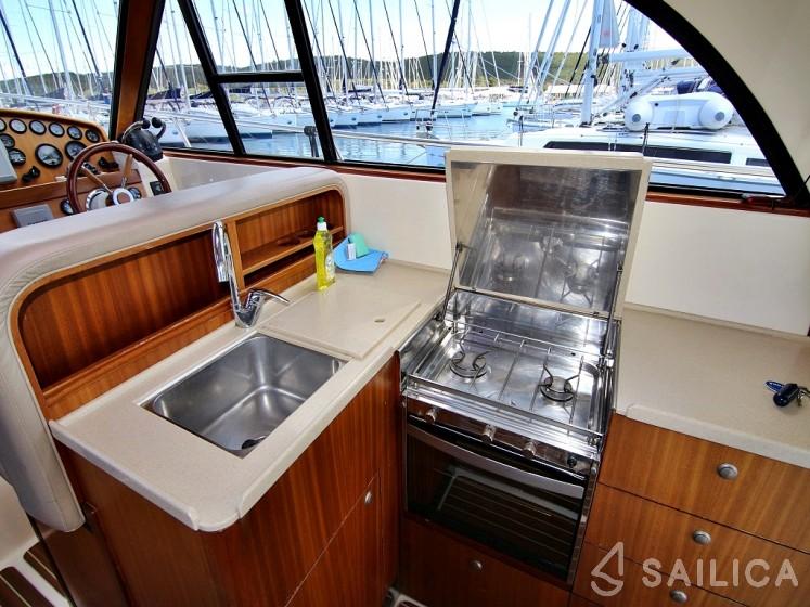 Adriana 44 - Yacht Charter Sailica