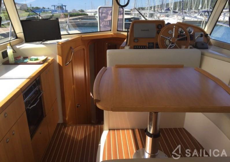 Adriana 36 - Yacht Charter Sailica