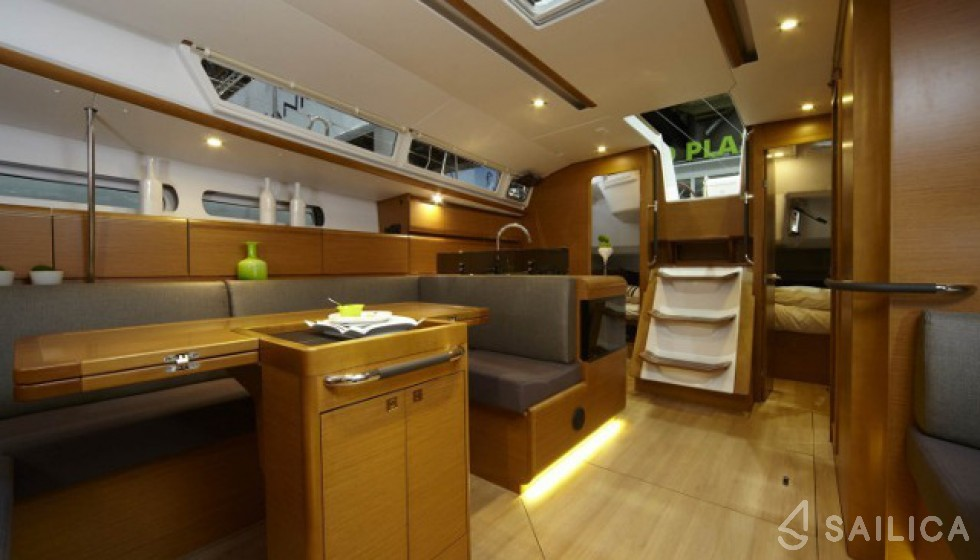 Rent Sun Odyssey 439 in Griechenland - Sailica