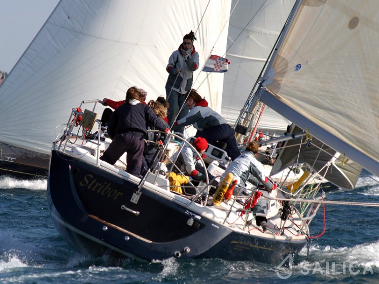 Grand Soleil 40 R - Yacht Charter Sailica