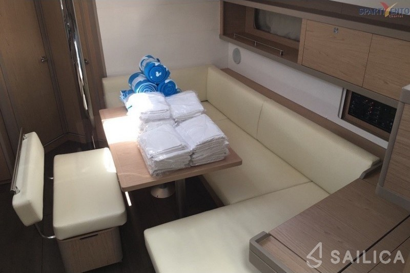 Oceanis 45 - Sailica Yacht Booking System #5