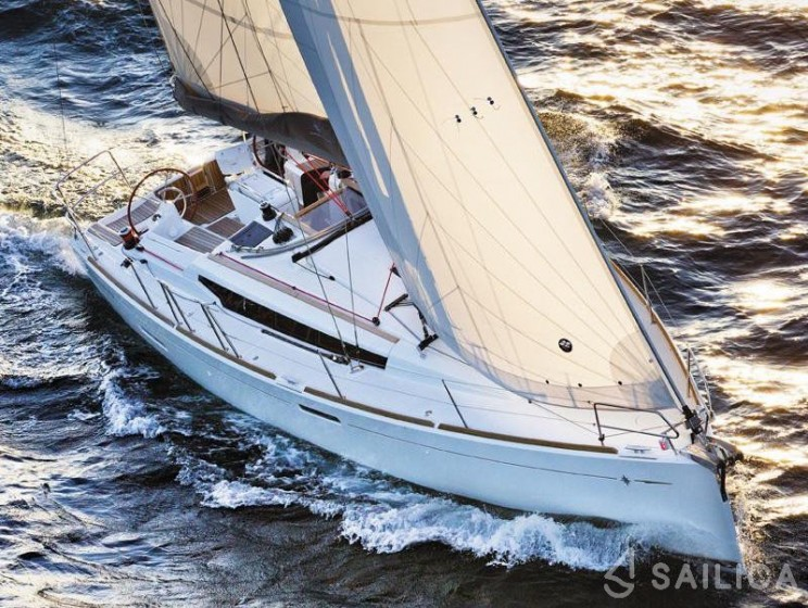 Sun Odyssey 389 - Jachtcharter Sailica