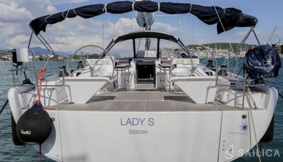 Hanse 575 5 cab - Yacht Charter Sailica