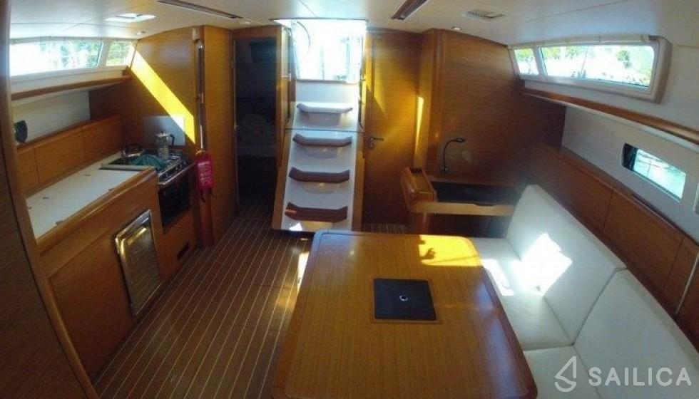 Sun Odyssey 469 in Hodge Creek Marina - Sailica