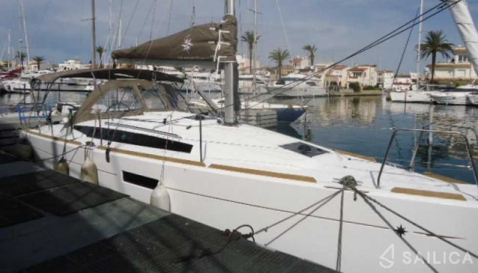 Jeanneau 349 - Sailica Yacht Booking System #4