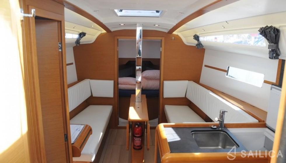 Jeanneau 349 - Sailica Yacht Booking System #5