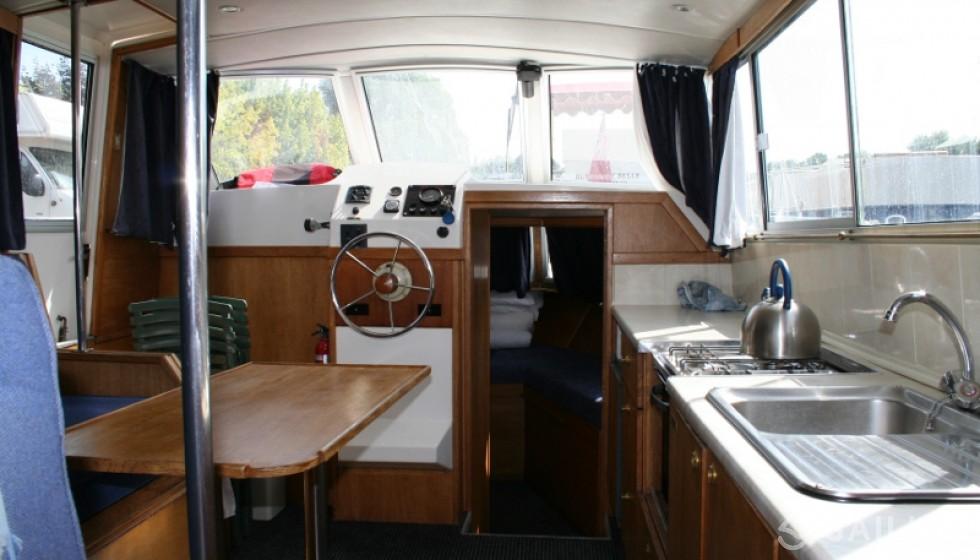 Rent Viking 1000 in France - Sailica