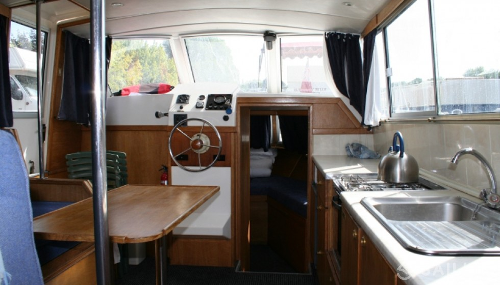 Rent Viking 1000 in France - Sailica