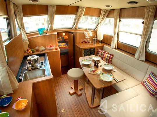 Linssen Grand Sturdy 30.9 AC - Yacht Charter Sailica