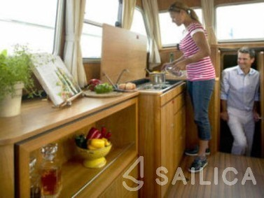 Linssen Grand Sturdy 33.9 AC - Yacht Charter Sailica