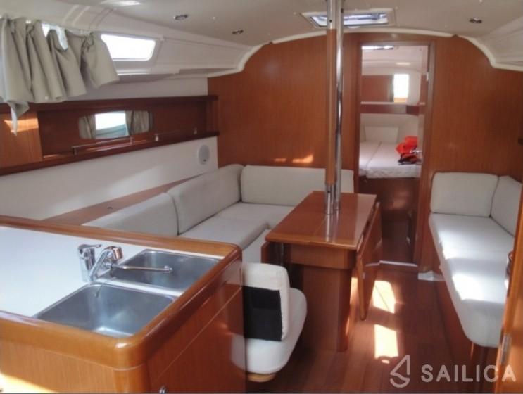 Beneteau Oceanis 37 - Yacht Charter Sailica