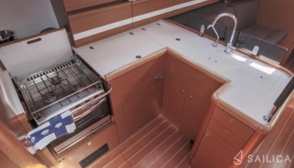 Jeanneau 53 - Система Бронирования Яхт Sailica #5