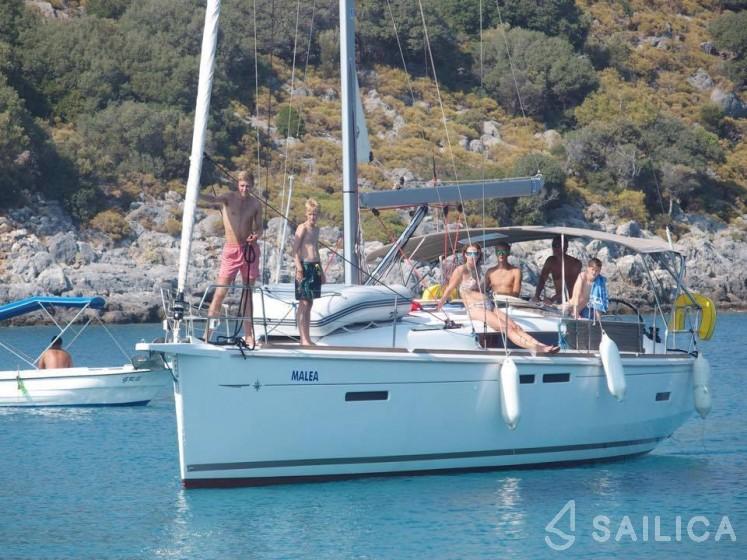 Sun Odyssey 419 - Yacht Charter Sailica