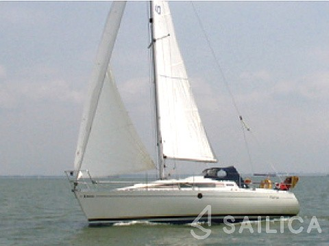 First 285 - Yacht Charter Sailica