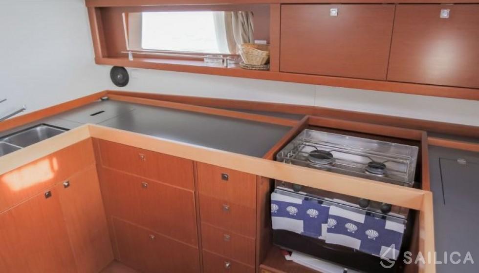 Oceanis 48-4 - Система Бронирования Яхт Sailica #6