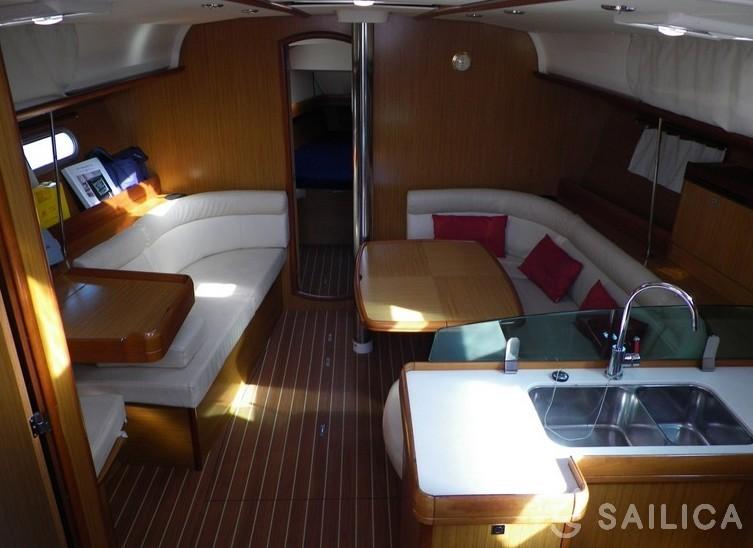 Sun Odyssey 42i - Yacht Charter Sailica