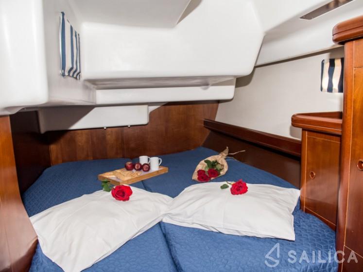 Oceanis 473 - Yacht Charter Sailica