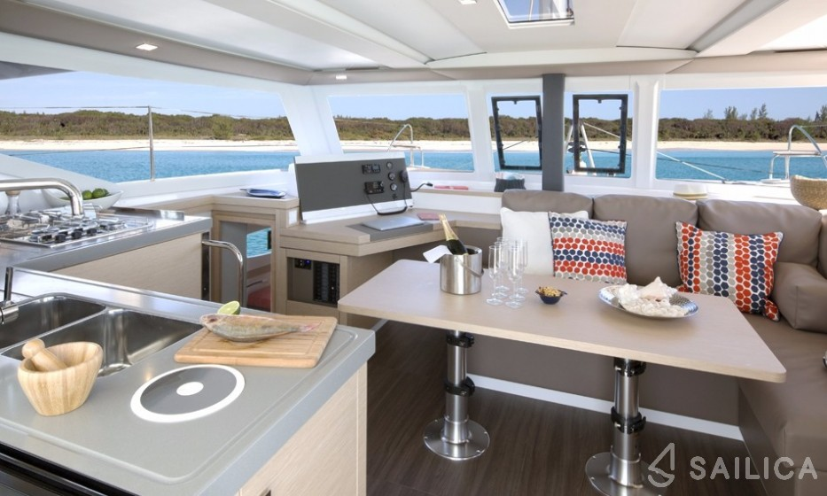 Lucia 40 - Yacht Charter Sailica