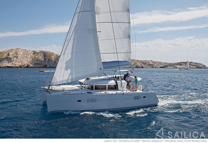 LAGOON 40 - Yacht Charter Sailica