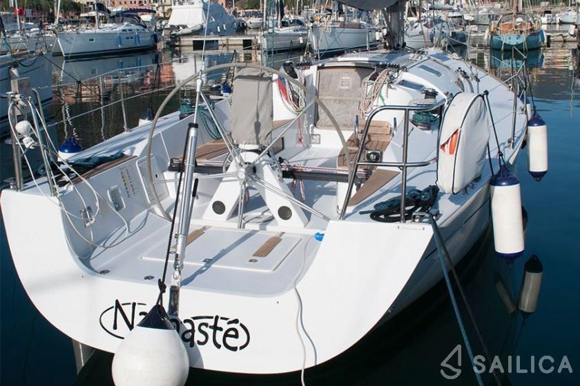 Comet 41s - Yacht Charter Sailica
