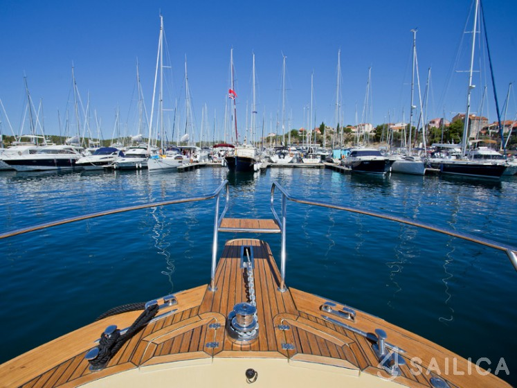 Marco Polo 12 - Yacht Charter Sailica