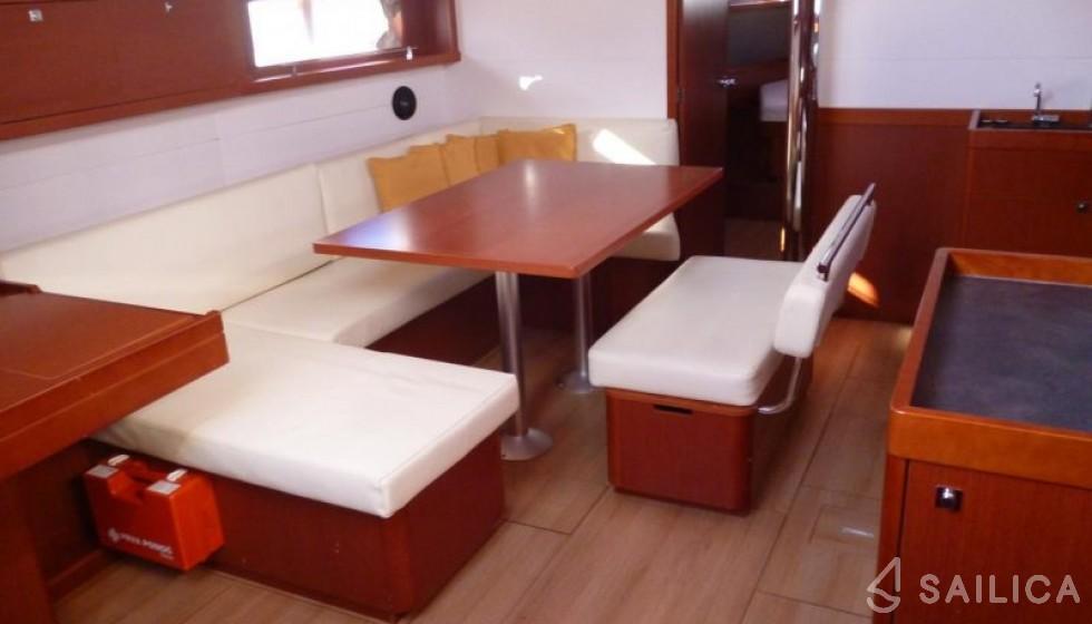 Oceanis 48-4 in Marina Baotic - Sailica