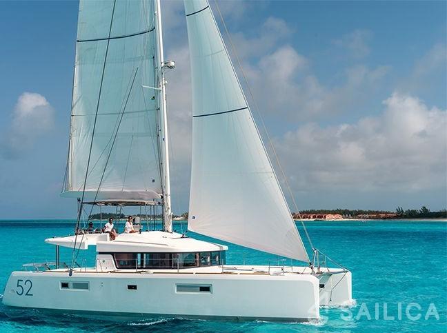 Lagoon 52 I - Yacht Charter Sailica