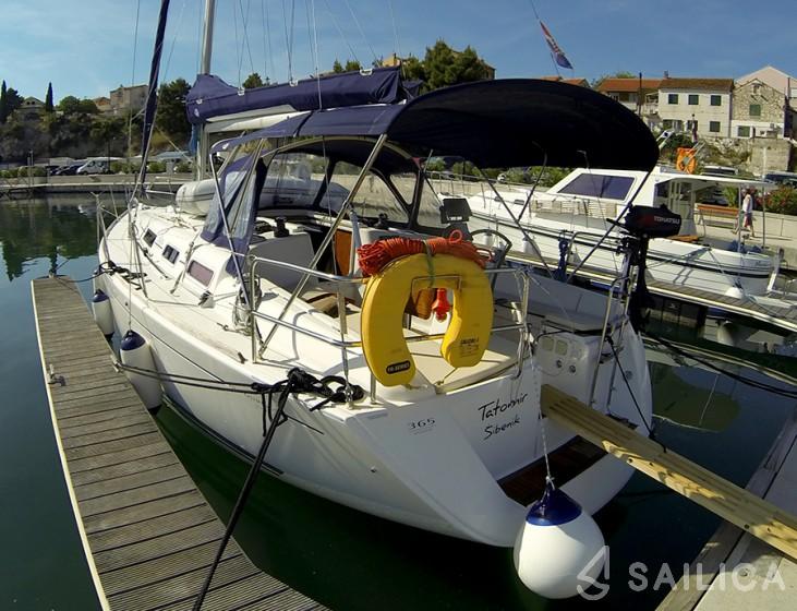 Dufour 365 - Yacht Charter Sailica