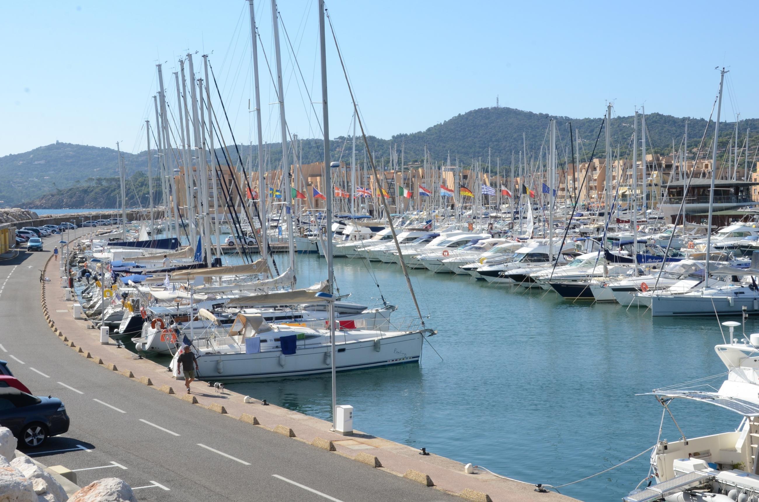 Port de Bormes - Yacht Charter Sailica