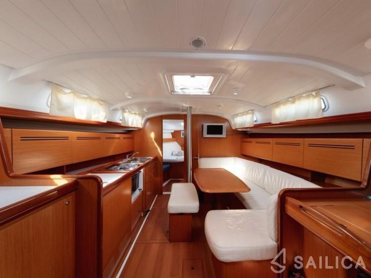 Cyclades 43.3 - Yacht Charter Sailica
