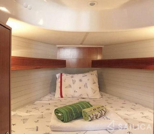 Oceanis 343 - Yacht Charter Sailica