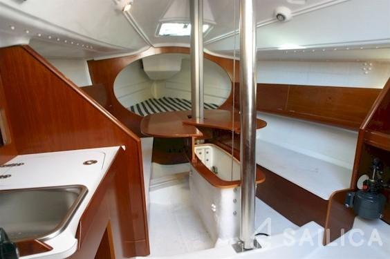 First 27.7 - Yacht Charter Sailica